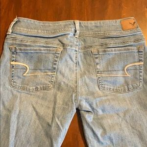 American Eagle Light Wash Size 6 Jeans